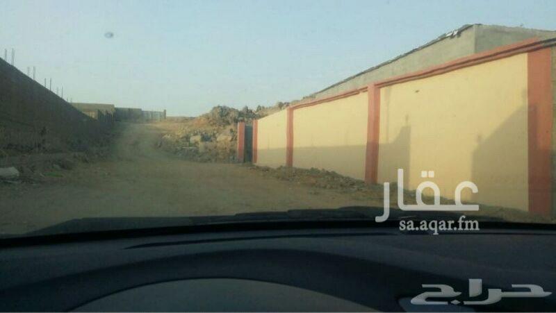 1121358 حوش سكني للبيع بحي الاجواد الشعبي  بدون كهرباء خلف مقبرة الاجواد