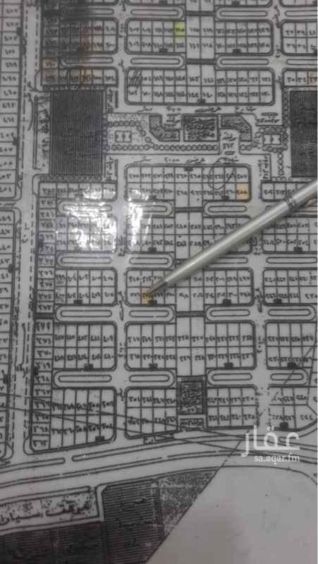 1405523 الحي الاول المجاور الثاني رقم 314 مساحه 600 شارع 30 قريبه من الخطوط السريعه  والخدمات شغالين عليها مباشره من المالك بدون سعي
