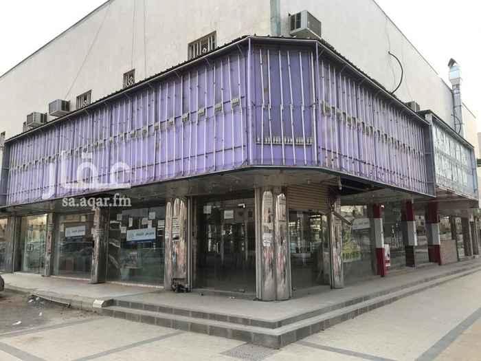 1698640 محلات على شارعين (زاوية)، ومحلات على شارع واحد للايجار في موقع مميز ويمر بها مترو الرياض   السعر وعدد الفتحات قابل للتفاوض.   اسعد بالتواصل  ٠٥٤١٤٤٤٥٣٣