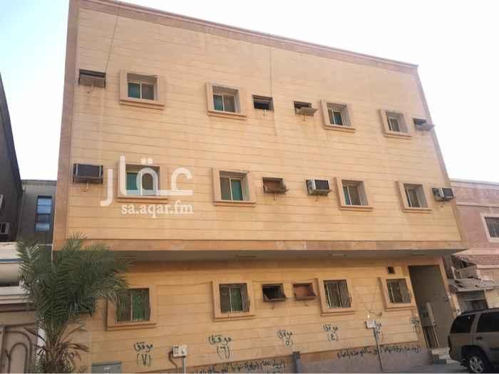 1742421 للايجار شقق عوائل بالثقبة بجوار بنك الرياض
