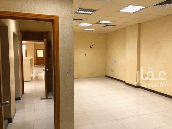 1800454 متوفر مكاتب مقسسمة في مركز هجر بلازا مقابل للحياة بلازا في مبنى فاخر. يوجد مكاتب ب مساحات مختلفة وبتكييف مركزي كامل  وعقود مرنة.