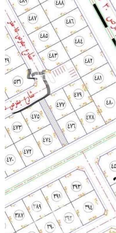 1714363 على شارعين عرض ١٥م. واجهه جنوبي ٣٠م شرقي ٢٢م وامامها مدخل شارع ٥ م من الرئيسي وبجانبها الشرقي ساحة عامة