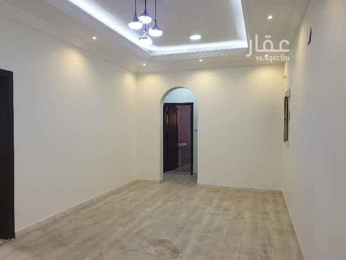 1736086 شقة فاخرة  صالة  مطبخ  ٢ حمام  ٢ مجلس ٢ غرفة   بابين لشقة واحد للصالة و واحد للمجلس في الدور الثاني  يوجد مصعد