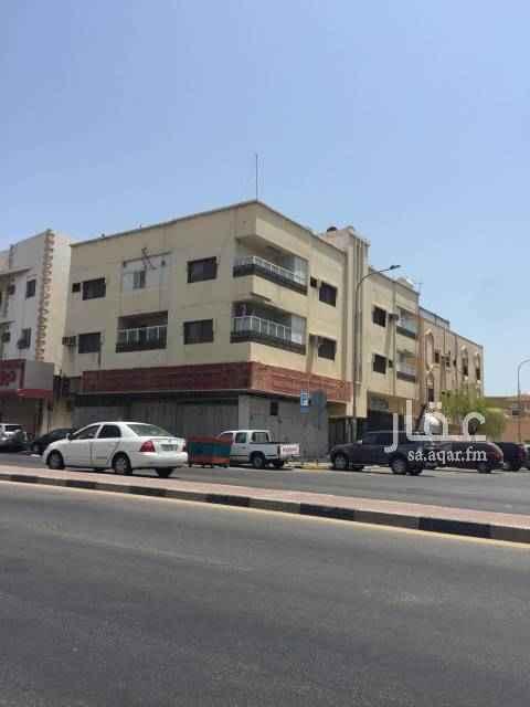 1618446 ثلاث محلات للايجار شارع الرياض ٢١ ناصيه