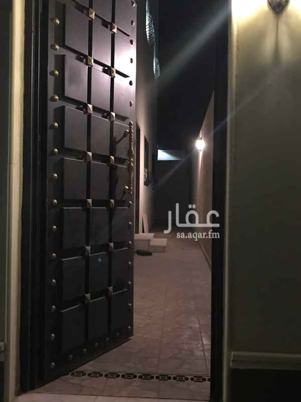 1688961 ملحق ارضي مدخل خاص يوجد غرفتين بدورة مياة  ومطبخ اوفيس صغير  فيه مجال شهري ب 1000