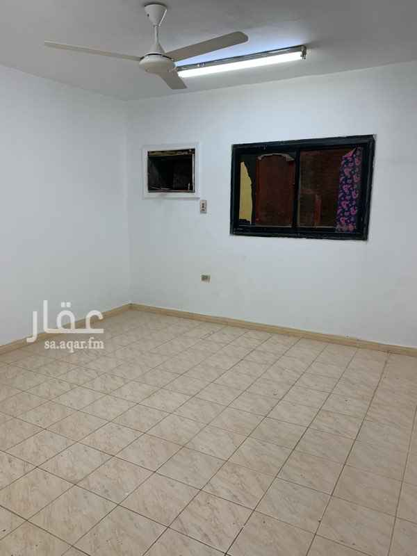 1539691 شقه مكونه من 4 غرف و صاله و 2 حمام و مطبخ