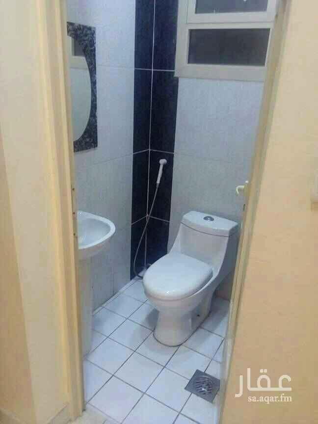 1390437 شقة ممتازة بجوار حديقة القادسية وباندا نظيفة مساحة كبيرة للغرف مصعد مواقف بجوار جميع الخدمات للتواصل .  0543474688 0555922598
