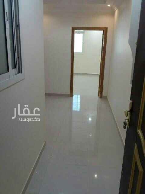 1649235 ثلاث غرف نوم وصالة ومطبخ راكب واثنين دورة مياه مكيفات راكبه مصعد بالعمارة