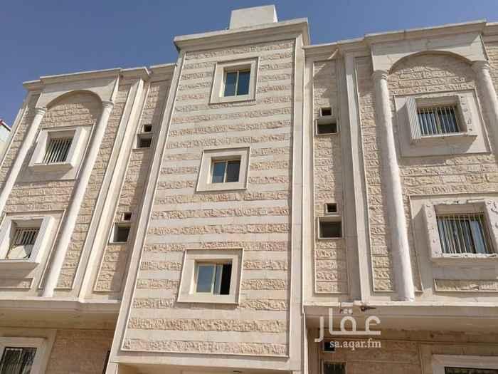 1663167 شقة للايجار بحي النور دور اول تتكون من 4 غرف ومطبخ وحمامين وصالة ومدخلين  للتواصل مشاريع المدينة واتساب فقط ابو سلطان 0543642744