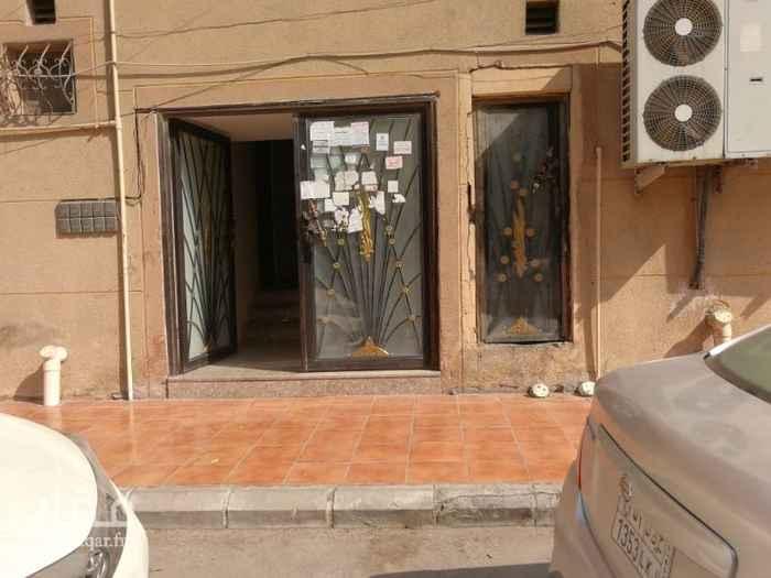 1765028 شقة بالدور الثاني للايجار تتكون من غرفتين نوم وصالة ومخزن ومطبخ واسع ومجلس وحمامين  الشقة نظيفة جدا  للتواصل مشاريع المدينة  الرجاء التواصل واتساب فقط  ابو سلطان 0543642744