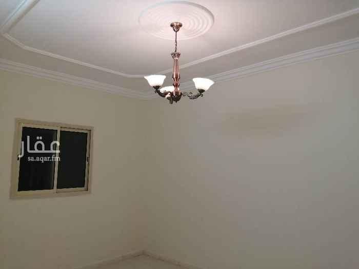 1454486 للأخوة المقيمين شقة شبه جديدة للايجار ١٤٠٠٠ريال او ١٢٠٠ريال شهري مخطط الموسى بالقرب من حي لبن.