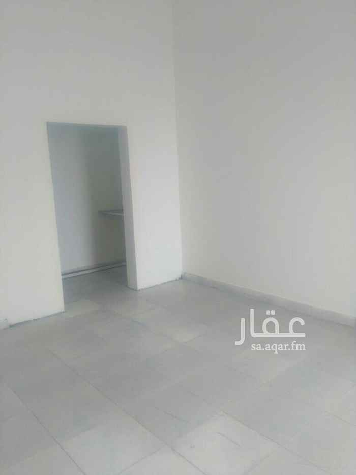 1576960 غرفة عزاب للإيجار بحي الحزم مساحة الغرفة  ( 5 * 4,5 )  مدخل خاص للغرفة وعداد الكهرب مستقل  مكونة من   غرفة + دورة مياه