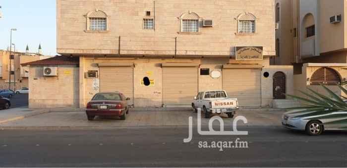 1695968 محلين تجاري قريب من الدائري الثاني بجانب مسجد - المحل الأول مساحة 20م التشاط الملائم (حلاق-محل خضار ) الايجار 10،000 ريال  المحل الثاني مساحة 50 م النشاط الملائم ( بقاله - مغسلة ملابس ) الايجار 20،000 ريال