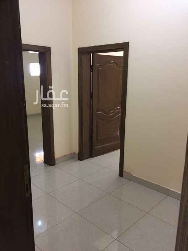 1609888 شقة 3 غرفة و2 حمام ومطبخ.   حي الاجواد شامل الكهرباء.       علي دفعتين.
