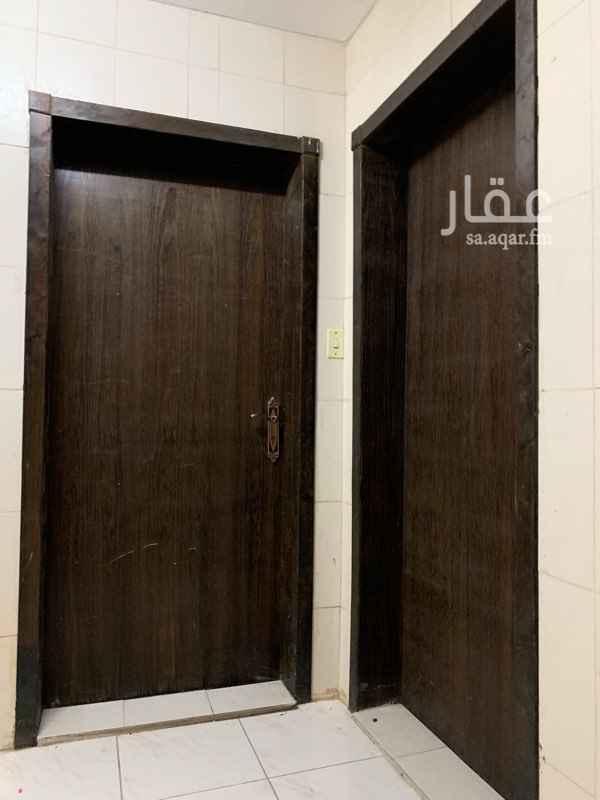 1755161 يوجد مطبخ راكب يوجد دش تلفزيون راكب سطح داخل الشقه الحي الثاني لتواصل واتساب ولا يجي الا الجااااااد فقط  من المالك مباشره ابو عبدالله : ٠٥٤ ٩٦٣ ٢٨٦٨