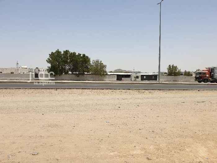 1664854 ارض للبيع  على شارع عام  بجوار شركة الكهرباء  الموقع: بحرة العمودي (جدة-السعودية)  المساحة:  (٩٥٠٠ متر مربع)  تسعة آلاف و خمسمية متر مربع   المطلوب: ( 16 مليون) - (قابل للتفاوض )  يوجد تمديد أرضي للماء و الكهرباء   للتواصل:  0544295765
