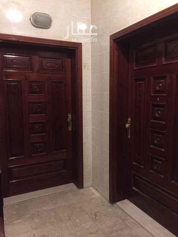 1645878 الغرف كبيرة  العماره نظيفة جدا  الشقة مرتبه وجميله جدا  السعر قابل للتفاوض