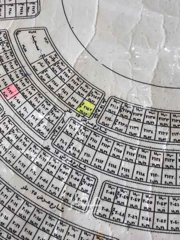 1813280 للبيع مساحة ٥٣٧  شارع مزفلت   تصلح فلتين منفصلات   عن بعض  مباشرة  سوم ٧٥٠،٠٠٠ حد ٧٥٠،٠٠٠ زايد الضريبة   ابوهيثم العقارت   0544649444