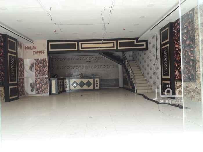 1763461 مبني تجاري كبير واجهات فخمه كلادنج    المعرض  على شارع  رئيسي  (الصحافه)  المساحه / ٢١٠ م.   ( يوجد مساحة إضافية) التجهيزات / ارضيات سيراميك، حمام، درج السعر / ٩٠ الف شامل الخدمات