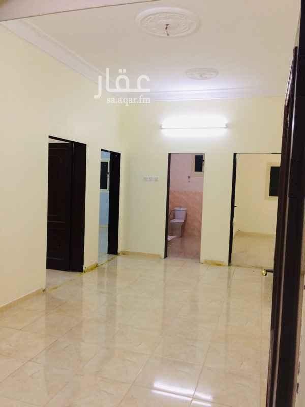 1576196 شقة 3غرف صالة  2حمام مطبخ نظيفة في حي هادي (يفضل عريس او عائلة صغيرة)
