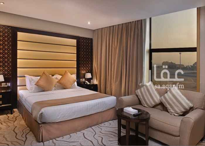 1279304 4 star hotel rooms daily rent Prince Turki Bin Abdul Aziz Road Beside Lolo Market. Day 215 SR includes breakfast and taxes.  Services: Free Breakfast Internet wifi Swimming Pool   Restaurant  Parking  Restaurant  Laundry  Room Service