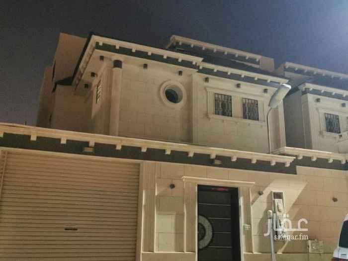 1798779 مساحة الارض ٢٢٥ مساحة مسطح البناء ٤٠٠ يتكون من مشب خارجي ومجلس وصالة ومجلس نساء ومطبخ ومستودع وحمامين الدور الثاني يتكون من ٤ غرف نوم ثنتين ماستر بحمام وحمام بين غرفتين الدور الثالث ٣غرف نوم وحمام الباقي 362000 بنك الرياض