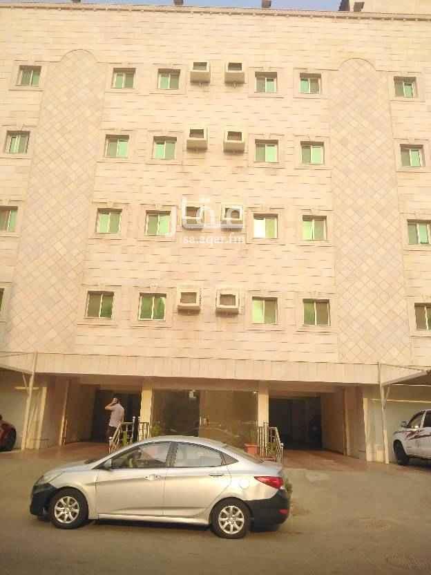 1804030 للايجار السنوي بالصفا عقار جديد مصعد كهرباء بجوار مسجد جميع الخدمات موجوده بالجوار