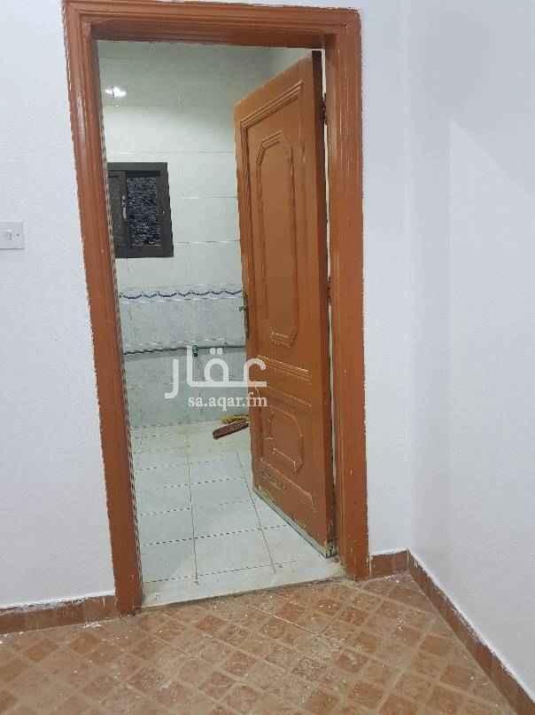 1802864 دور علوي مدخل خاص مع غرفت شغاله بسطح