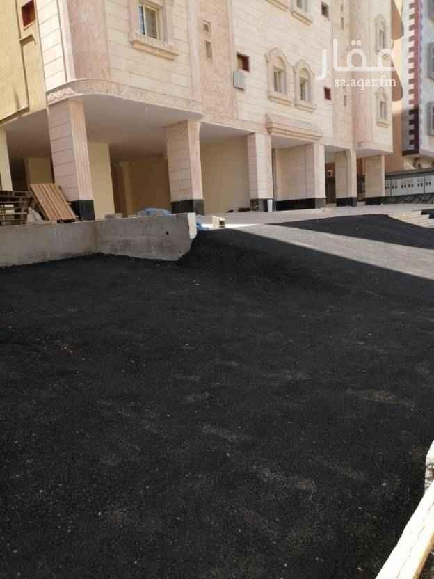 1478760 شقه للايجار حي الرغامه 4غرف وصاله مدخلين جديده 3حمامات موقف خاص ومصعد