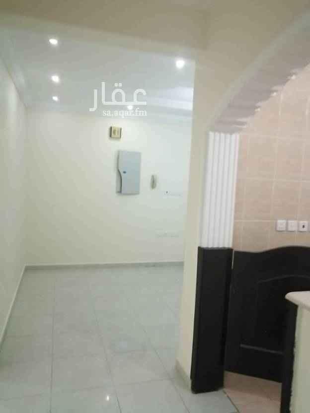 1589085 شقه للايجار حي الرغامه 4غرف وصاله مدخلين نظيفه