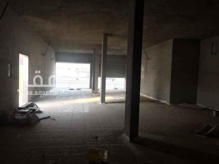 1638957 محل كبير فتحتين  ممكن استخدامه سوبر ماركة او مطبخ او محل ل السرميك شارعين 52/25