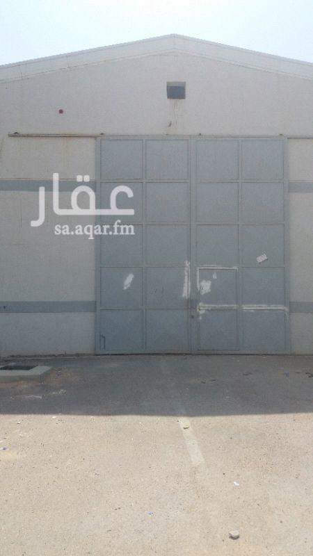 1338390 ورش مستودعات للايجار السنوي بشرق الرياض حي الرمال طريق الدمام الصناعيه الجديد خلف المزاد الدولي للسيارات مساحات مختلفه