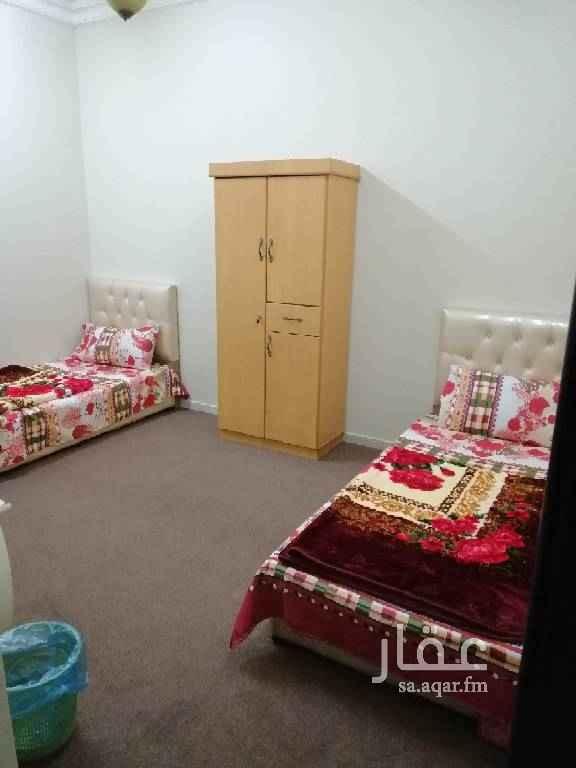 1004203 غرف عزاب  مفروشة بالكامل شهرى يومى حمامات خاصة داخل الغرف مصعد ونت مجانى ومكيفة وشاشة وثلاجة ودولاب و2 سرير على حسب الطلب شامل الكهرباء والمياه والصيانة   للتواصل جوال / ٠٥٤٦٩١٠٩٨٤
