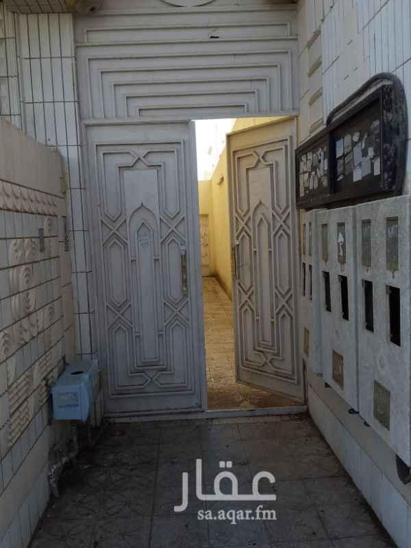 1223569 ( 4) شقق من غرفتين وصاله وحمام  ومطبخ  (4 ) شقق من ٣ غرف صاله حمام ومطبخ