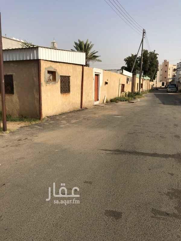 1637089 بيت شعبي على اربع شوارع بجوار جامع الغامدي الحويه حي المعترض