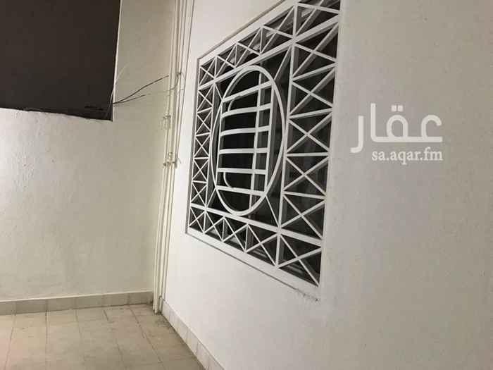 1438608 شقة للإيجار في بطحاء قريش ثلاث غرف ودورتين مياة ومطبخ مع سطح خاص في الدور الثالث خلف كتابة عدل