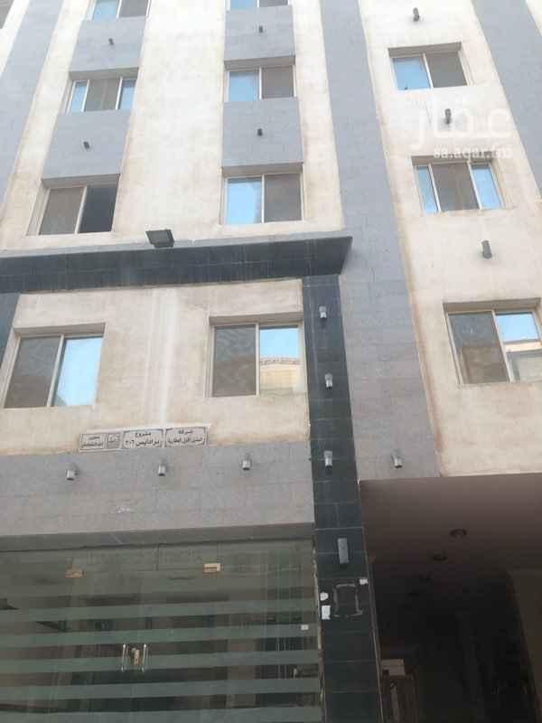 1590328 شقة جديدة من ٦ غرف وصالة  ١ ماستر في حي المروة  مطبخ داخلي  مدخلها من شارع الامير ماجد    للتواصل 0548008898