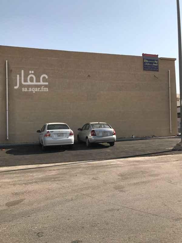 672214 مجمع تجاري في حي المنار (٢٥٨ب) للإيجار مكون من  اربع محلات للايجار مساحة الواحد ٥٠ متر و اجار الفتحة ١٠٠٠٠ الف ريال.