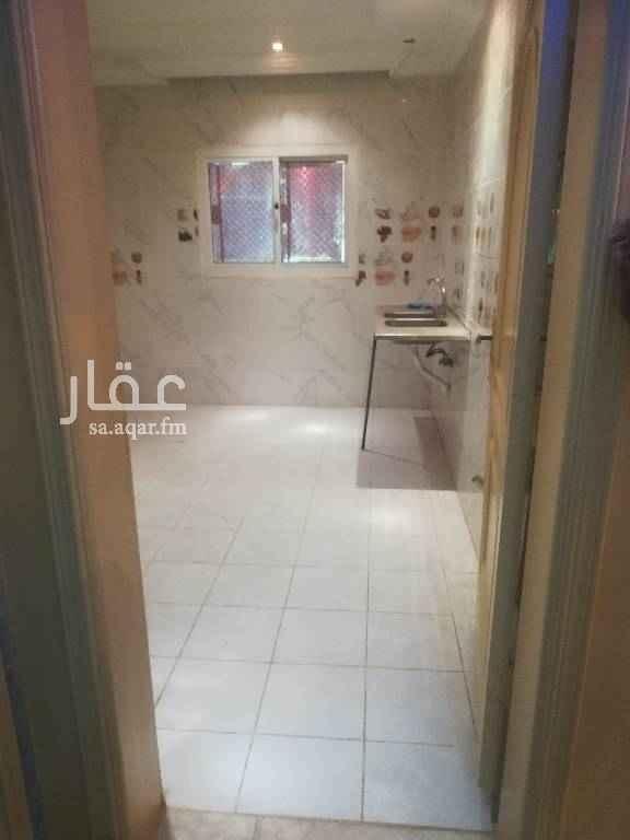 1497185 شقتين من غرفتين بدون صاله الدور الأرضي حمام واحد ومطبخ شامله المياه والصرف الصحي المطلوب 12000 للتواصل 0548175186