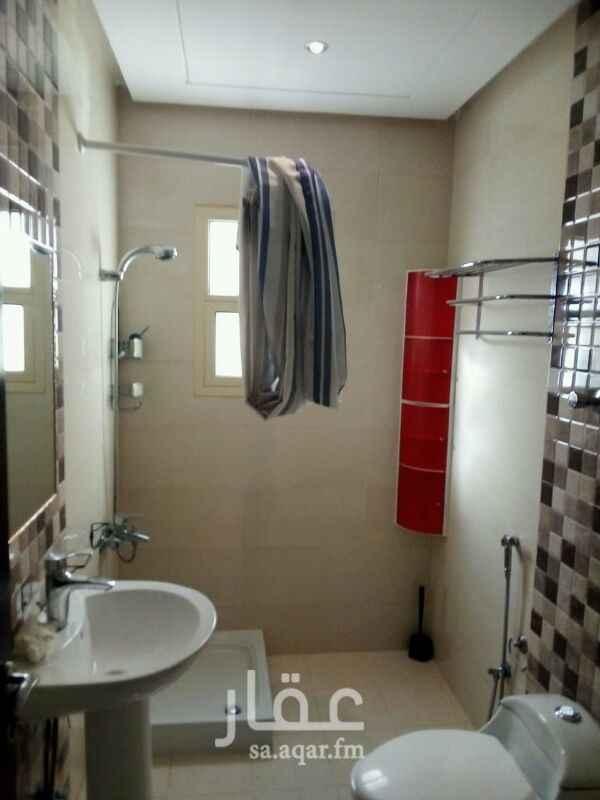 1514181 داور اللايجار في حي الياسمين مربع 18 مكون من 3غرف نوم وصالة ومجلس ومقلط ومطبخ  مكيفات اسبلت راكب  مدخل مشترك