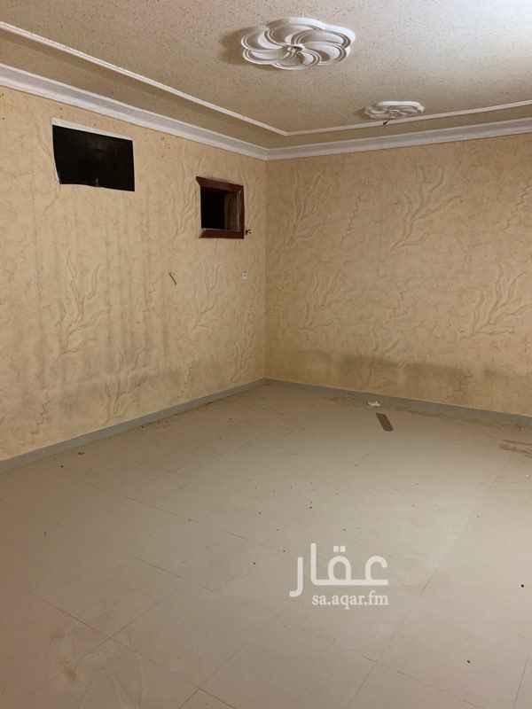 1542792 شقة ٣ غرف وصالة و٣ دورات مياه ومطبخ راكب مدخلين للشفة بفلة  مدخل وكهرباء مشترك  السعر قابل للتفاوض