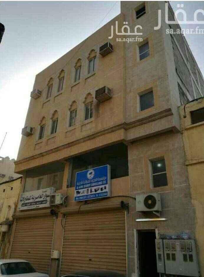 1425581 عماره في حي الدواسر 112 متر  7شقق و2 محل  5سنوات  الدخل 72 الف  مطلوب 700 الف