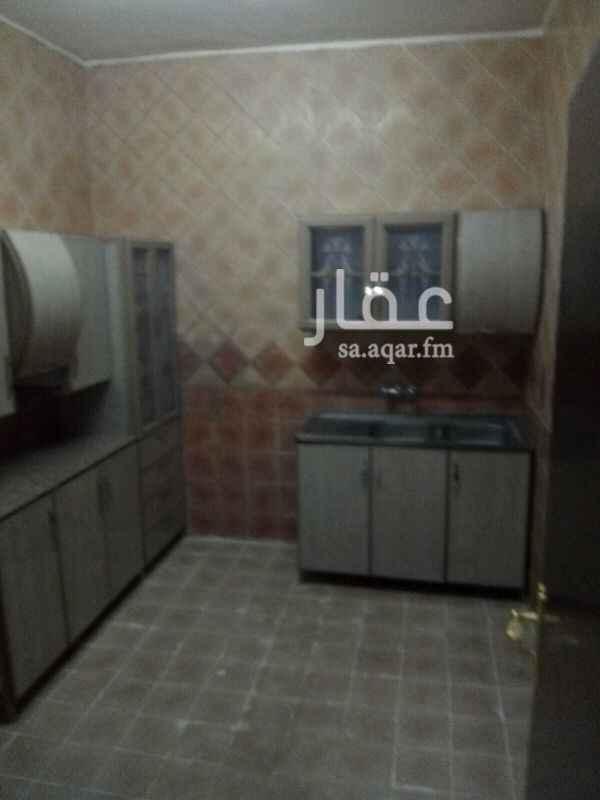 1677213 شقه للايجار عوائل  حي اليرموك شارع الشهارين  غرفتين وصاله ودوره مياه ومطبخ مستقل راكب مكيفات  تشطيب ممتاز