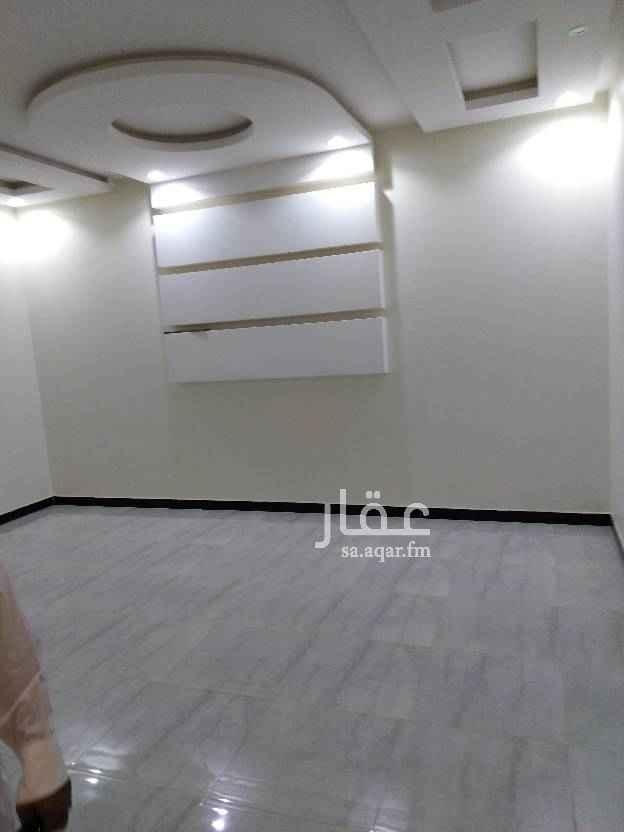 1676620 دور أرضي بالرمال التعمير  5 غرف  وصاله 3 حمامات