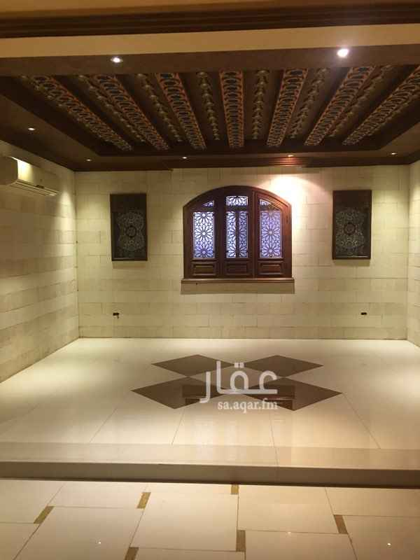 1579850 شقة قاخرة للإيجار تتكون من :-   ٧ غرف - وصالتين - ومطبخ - و ٤ دورات مياه - وغرفة شغالة   وغرفة سائق - مدخلين للشقة   مساحات كبيره   خلف محطة المروه وبالقرب من مسجد نور الصالحين     للمعاينة رقم الحارس : 0538897138