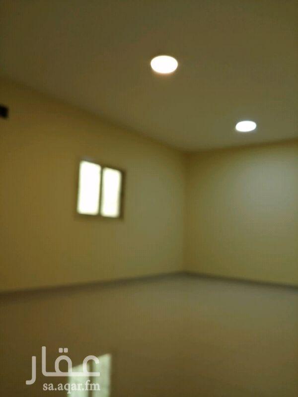 1645478 للايجار شقه ٤غرف و صاله ومطبخ ودورتين مياه...في مجمع يوجد مصعد...كهرباء مستقل.. مكتب المهري للعقارات  0550000291