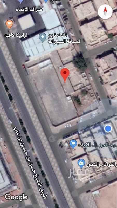 1494456 ارض على ثلاثه شوارع مساحتها ٤٢٣٥م  على شارع الشيخ الحسن بن حسين بن علي المونسيه باتجاه الشمال الاطوال ٧٧ على الشارع  و ٥٥ في الداخل الاجار والاستثمار  طويل الاجل