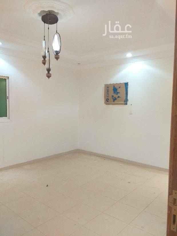 1511965 دور علوي الايجار بحي المونسيه     يتكون من ٣غرف ومجلس      ومقلط وصاله 0