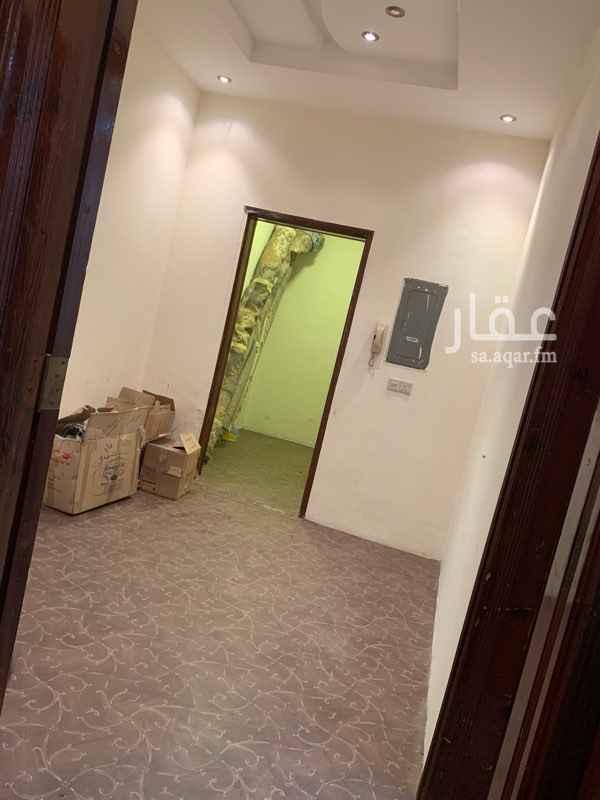 1386704 شقة ارضية تنفع مستودع بالقرب من مدينة البناء والعمران مكونه من غرفتين مساحة كل غرفه 5-4 وثلاث صالات صغيره ودورة مياه وحوش مدخل خاص