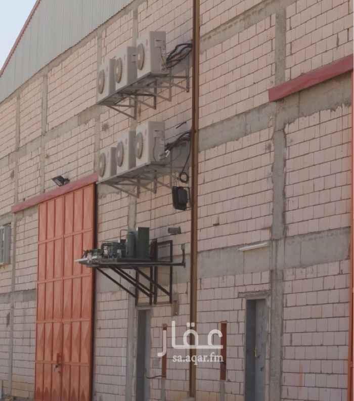 1382923 يوجد لديناء مستودعات بحي السلي الرياض  نظاميه لكافه انشطه التخزين وبااسعار مناسبه